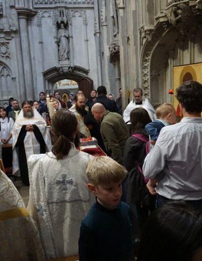 Faithful at the shrine of St Alban